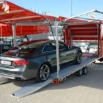 autó szállítás fedett trailerrel